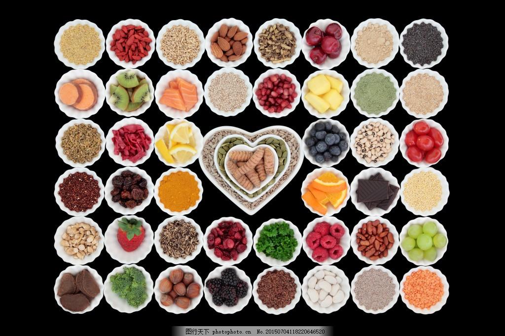 香焦 南瓜 核桃 西兰花 桔子 果肉 水果切面 切开的水果 水果 心形盘图片