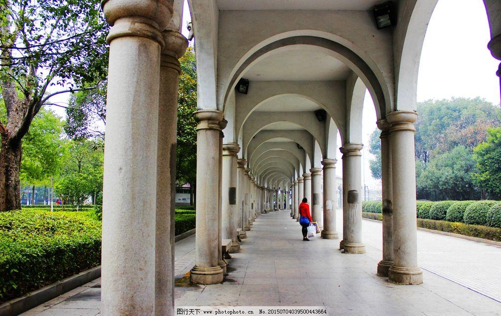 长廊 圆拱长廊 拱形长廊 白色长廊 白色欧式长廊 现代长廊 现代欧式图片
