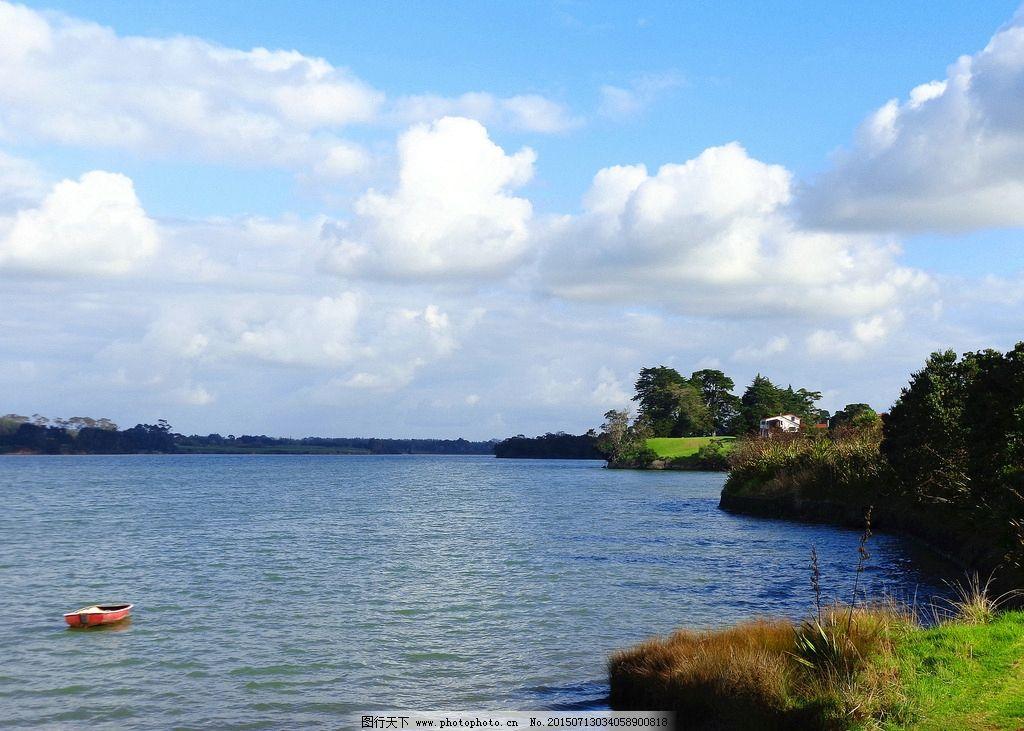 蓝天 白云 绿树 绿地 草地大海 海湾 海水 小船 建筑 别墅 新西兰海滨