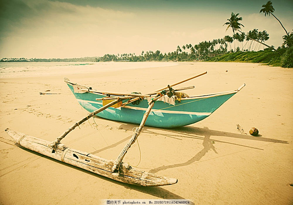 沙滩上的小船 海滩风景 椰树 沙滩风景 美丽风景 海洋风景 海岸风景