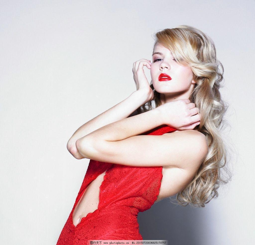 时尚红衣美女图片
