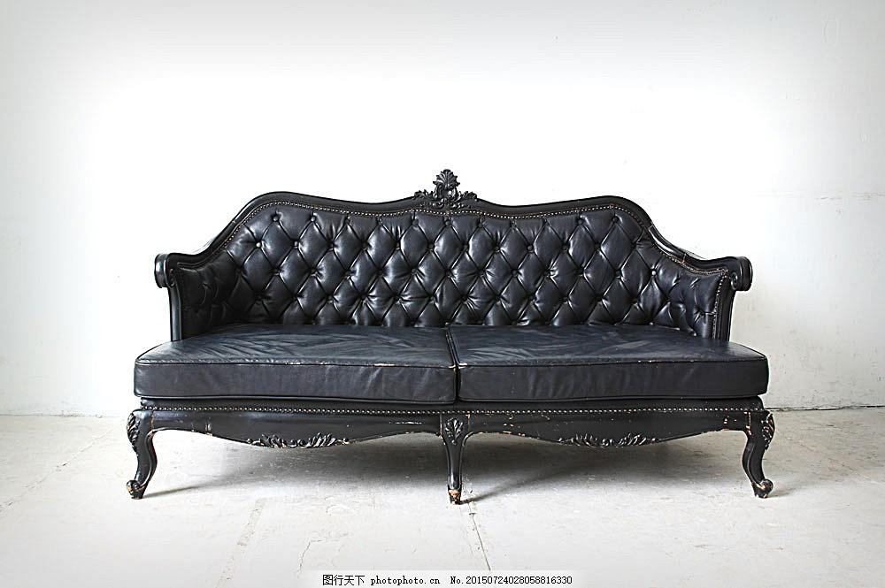 地板上的黑色沙发 沙发 黑色沙发 椅子 欧式沙发 家具 室内设计 环境