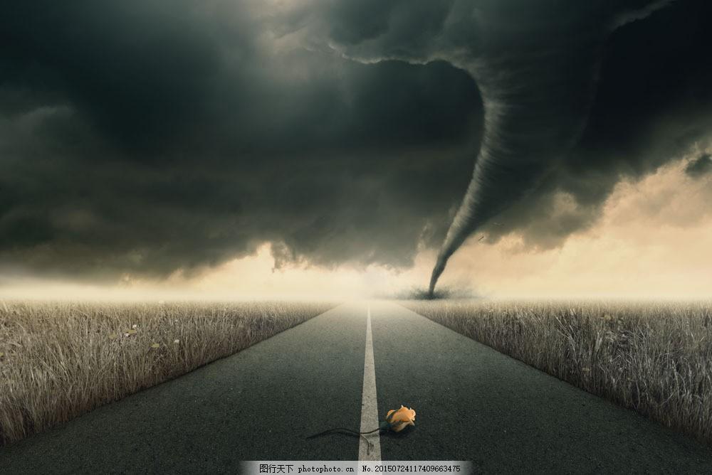 远方的龙卷风摄影