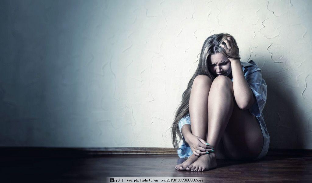 伤心女人图片图片