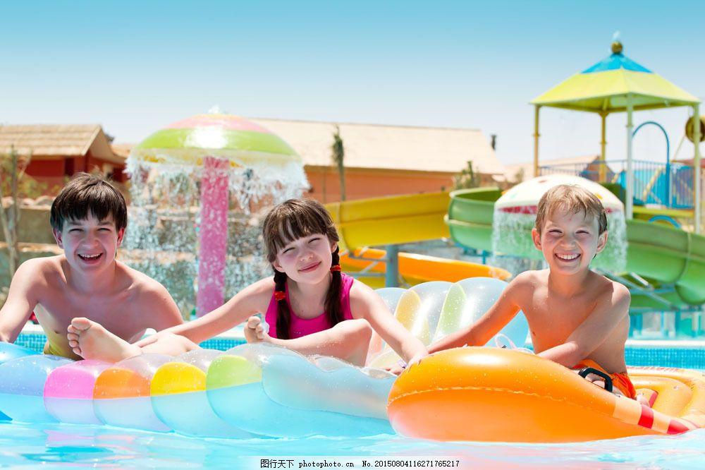 游泳的儿童 潜水的儿童 游泳的小女孩 游泳的男孩 外国儿童 体育运动