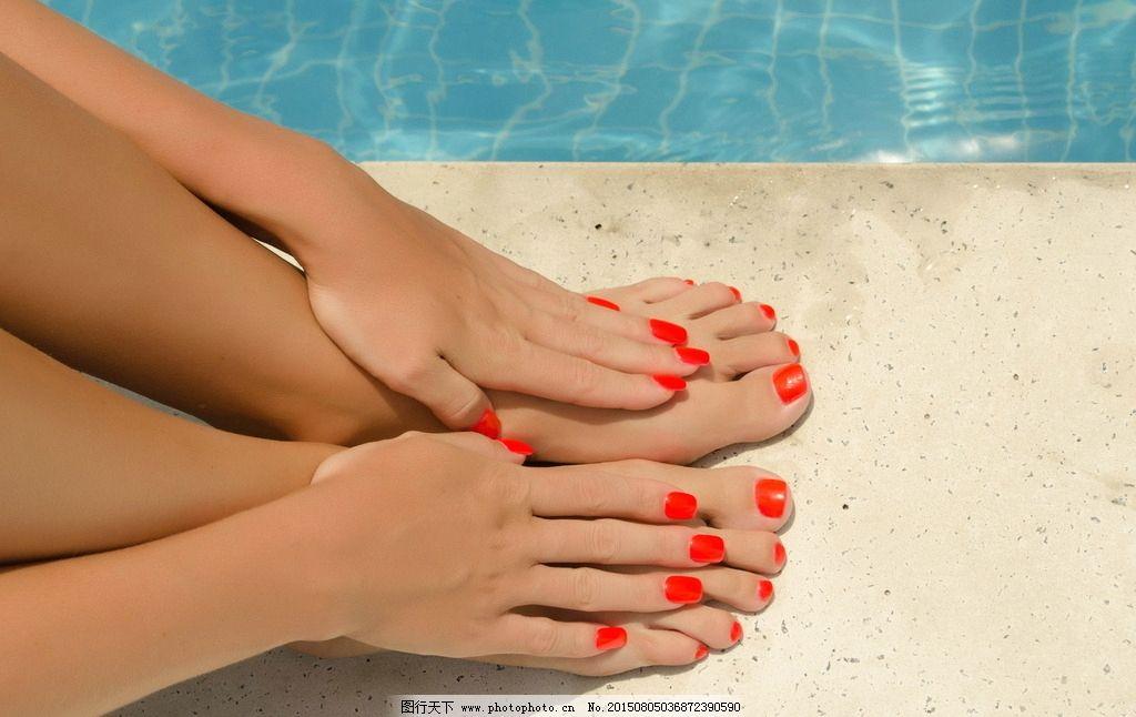 夏季美甲 脚美甲 红色美甲