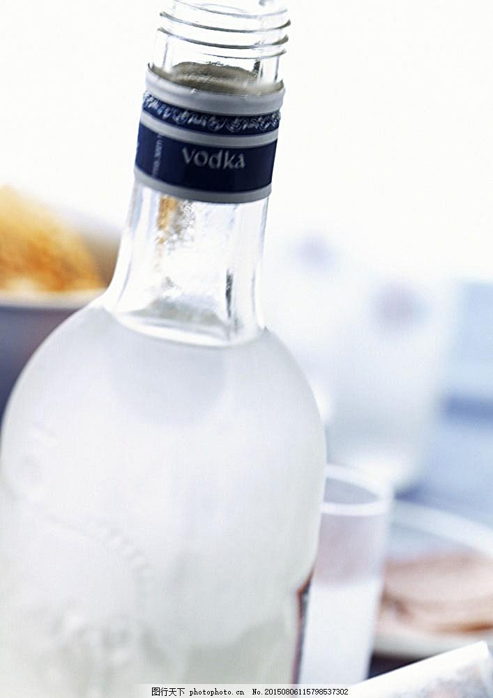 玻璃瓶子摄影 瓶子 玻璃瓶 酒瓶 饮料 生活用品 图片素材 酒水饮料