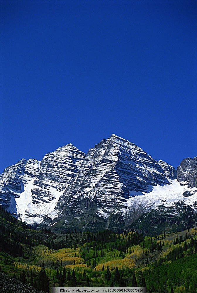 藍天下的雪山山峰 山水風景 自然風光 景色 美景 攝影圖 高清圖片