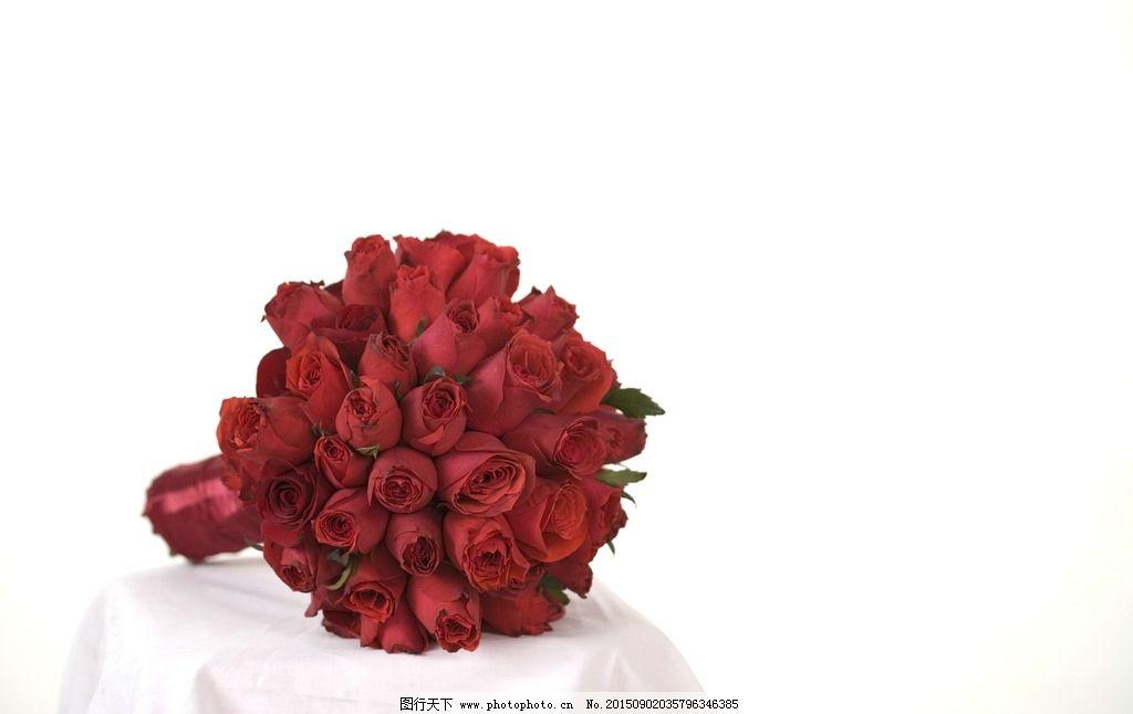 红色玫瑰手捧花