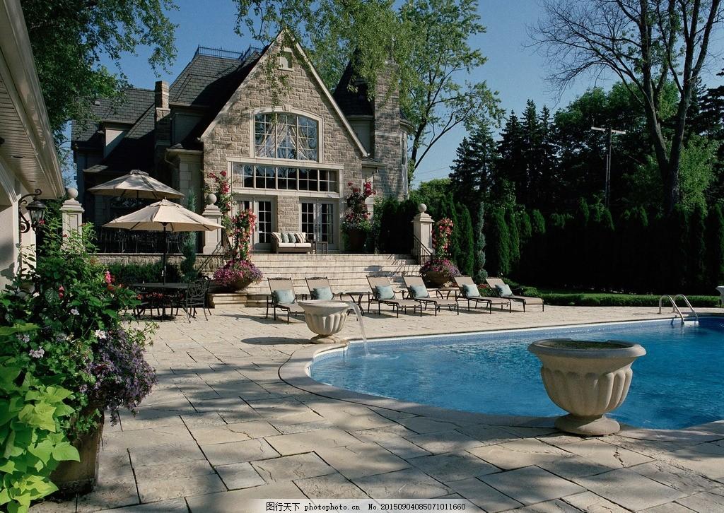 别墅里的游泳池 别墅景观 泳池装饰地砖 老别墅风景 别墅庭院 石材铺图片